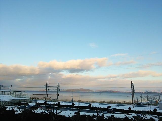 小野駅近くから望む琵琶湖