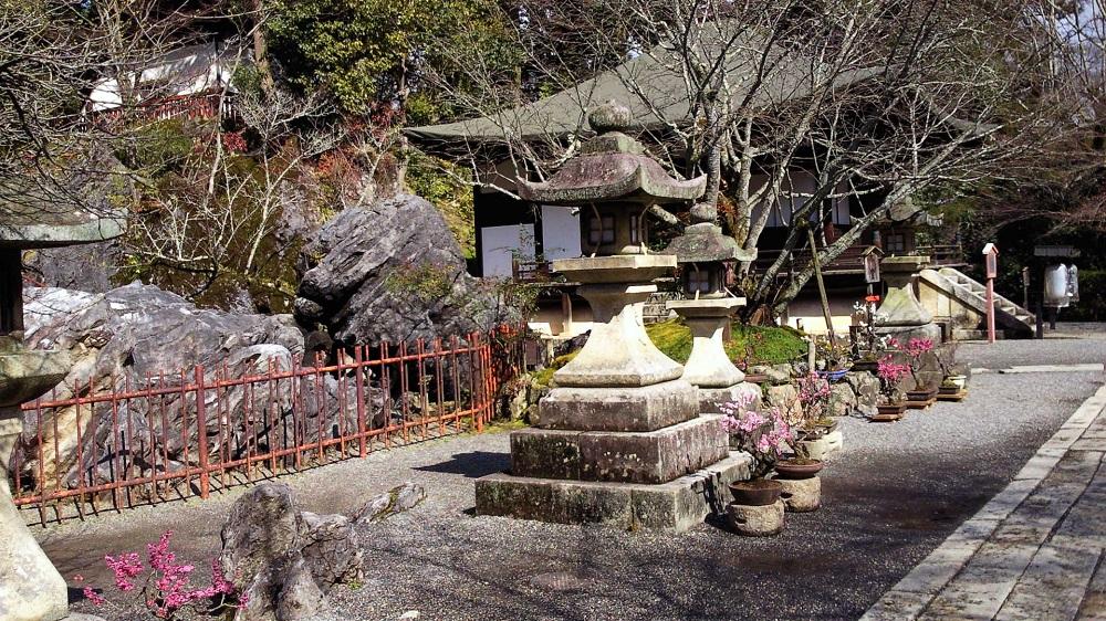 石山寺境内2