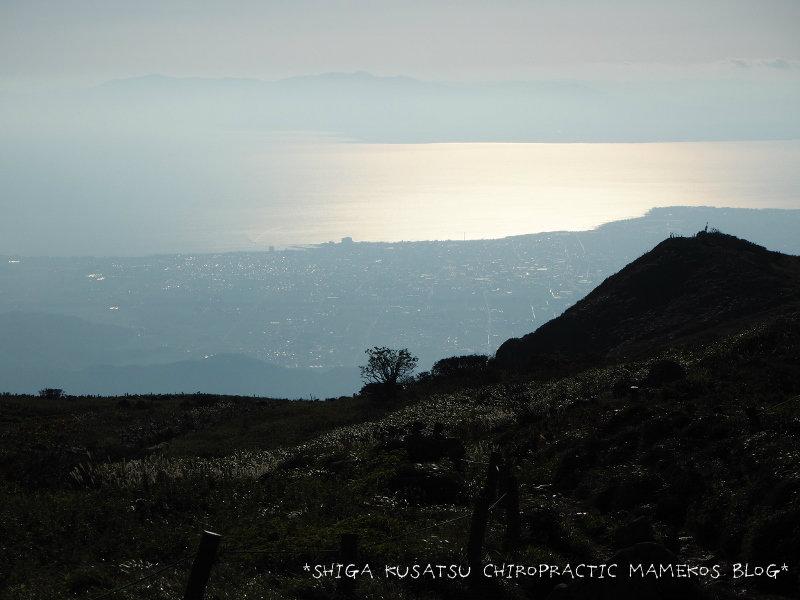 伊吹山頂から琵琶湖を望む